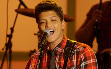Bruno Mars Online