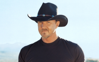 trace 385 Stream Now   The Definitive Trace Adkins Greatest Hits
