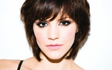 new image3 Katharine McPhee Shares Warm Holiday Musical Sentiments