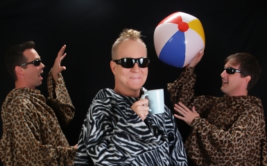 superions 385 Video: Fred Schneider (B 52s) Talks About Hilarious New Holiday Album 'Destination Christmas' With The Superions
