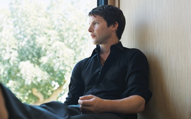 james blunt 2 385 The Trouble With James Blunt   Exclusive Interview